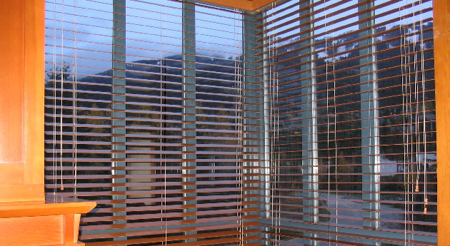 2 inch Basswood Venetian Blind - Summer Snow